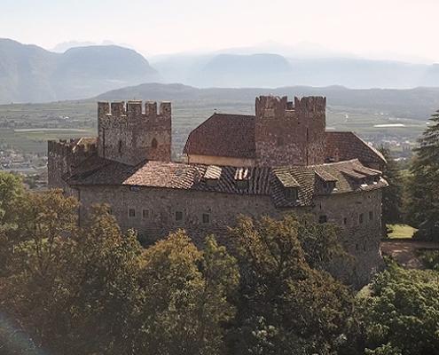 Da arbeiten, wo andere Urlaub machen: der Imagevideo für Schloss Freudenstein führt das Drehteam von together concept an die schönsten Orte in Südtirol